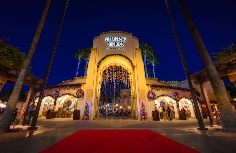 christmas-universal-studios-hollywood-los-angeles-california-bricker