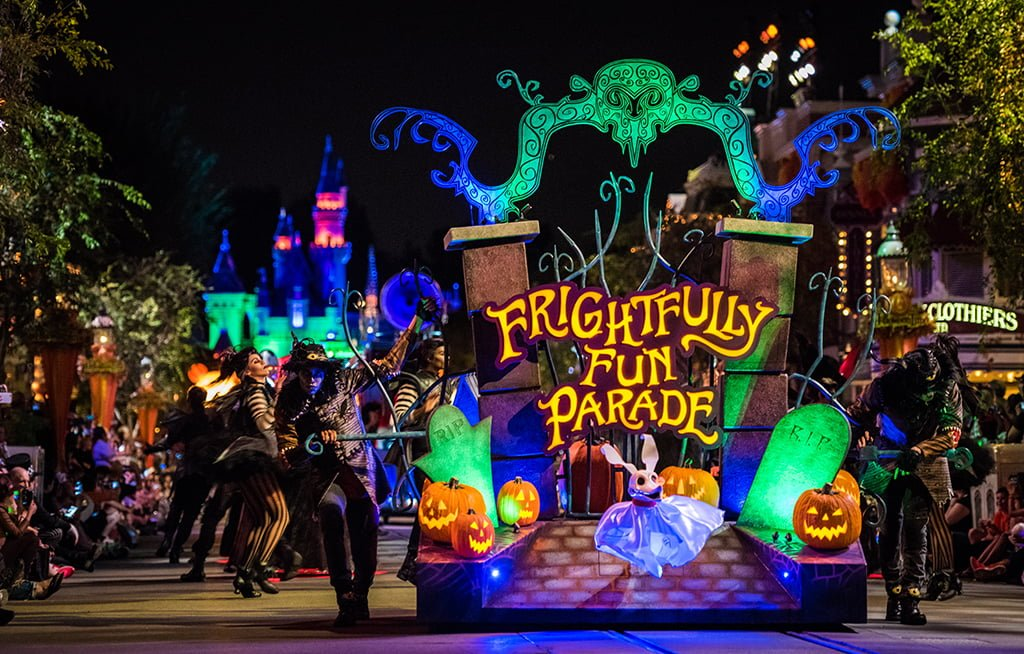 2016 Disneyland Halloween Party Recap - Disney Tourist Blog