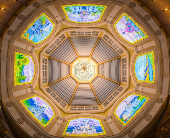 disney-vacation-club-preview-center-stained-glass