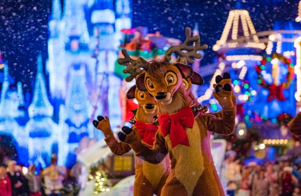 Disneyland Christmas.Disneyland V Disney World Christmas Edition Disney