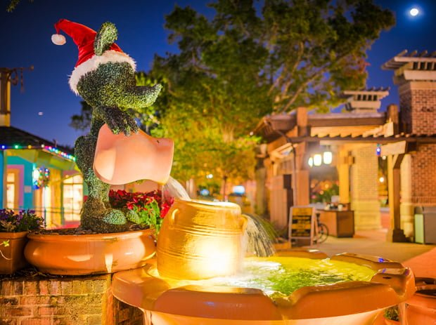 santa mickey mouse fountain christmas disney springs
