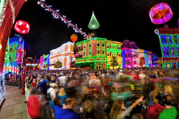 osborne-lights-moving-crowds-high-camera