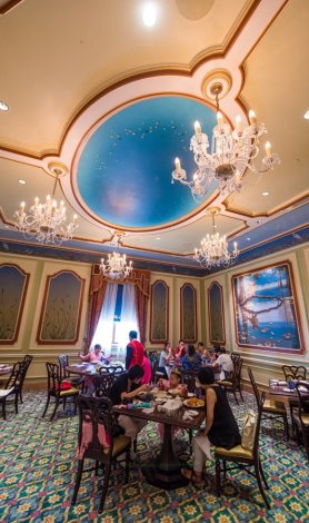 royal-banquet-hall-shanghai-disneyland-restaurant-china-050