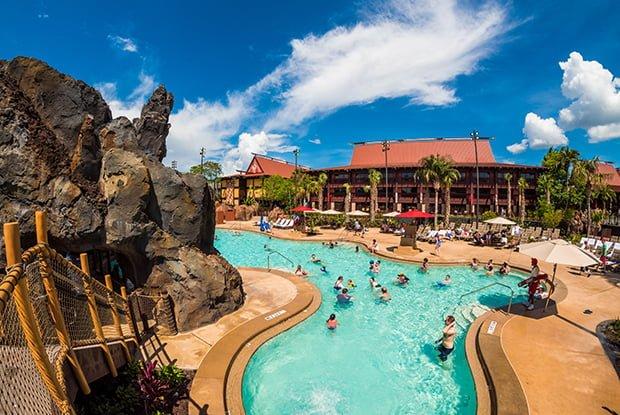 polynesian-village-resort-disney-world-pool-volcano