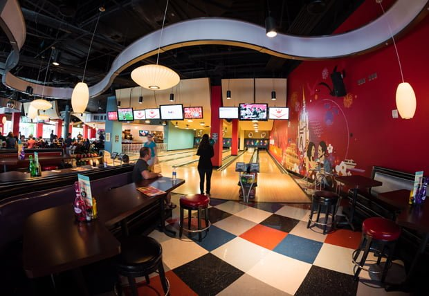 splitsville-luxury-lanes-bowling-alley-disney-springs-wdw-dining-400