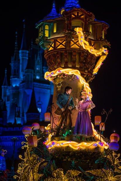 Best Tokyo Disneyland Attractions & Ride Guide - Disney
