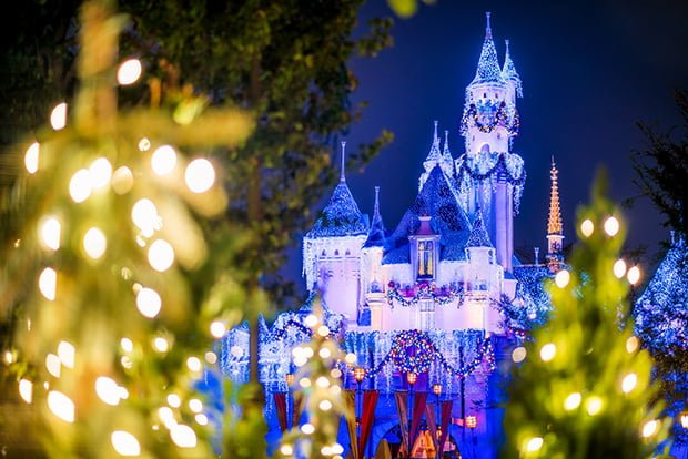 our christmas guide offers tips tricks for doing disney california adventure and disneyland during the holiday season to make the most of the festivities - When Does Disneyland Decorate For Christmas 2018