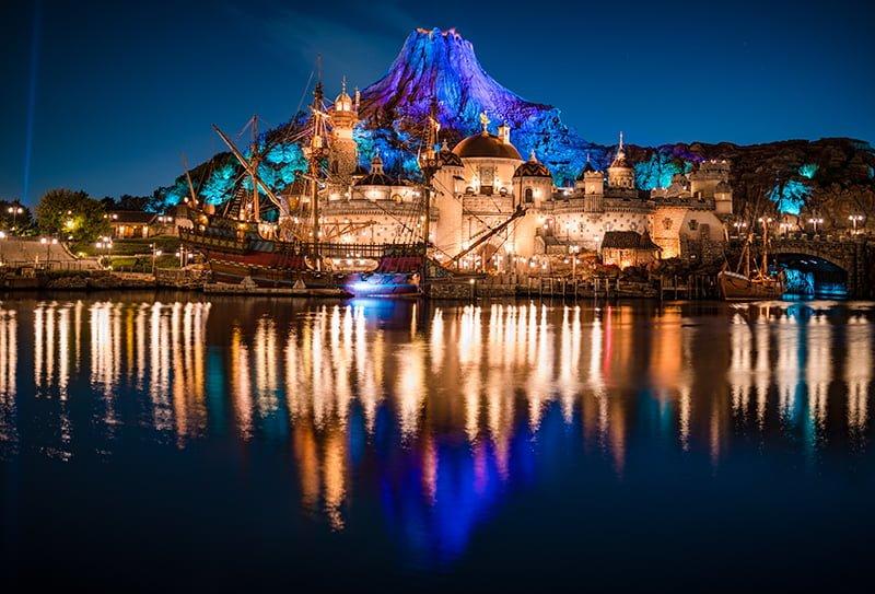 An F 1 4 Evening At Tokyo Disneysea Disney Tourist Blog
