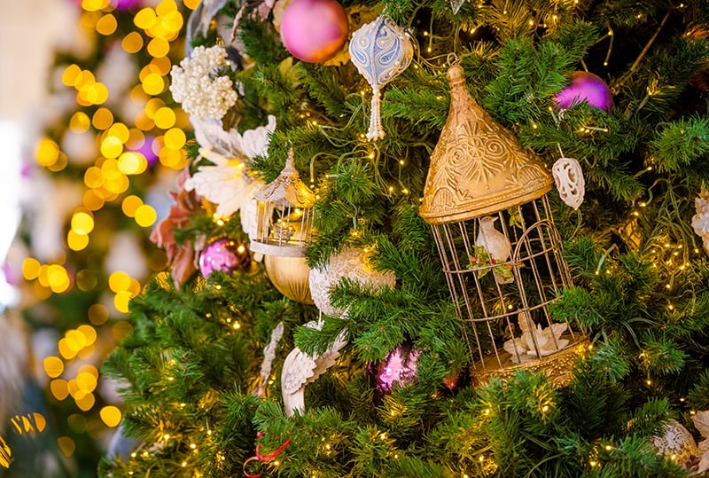When Do Christmas Decorations Go Up At Disney World