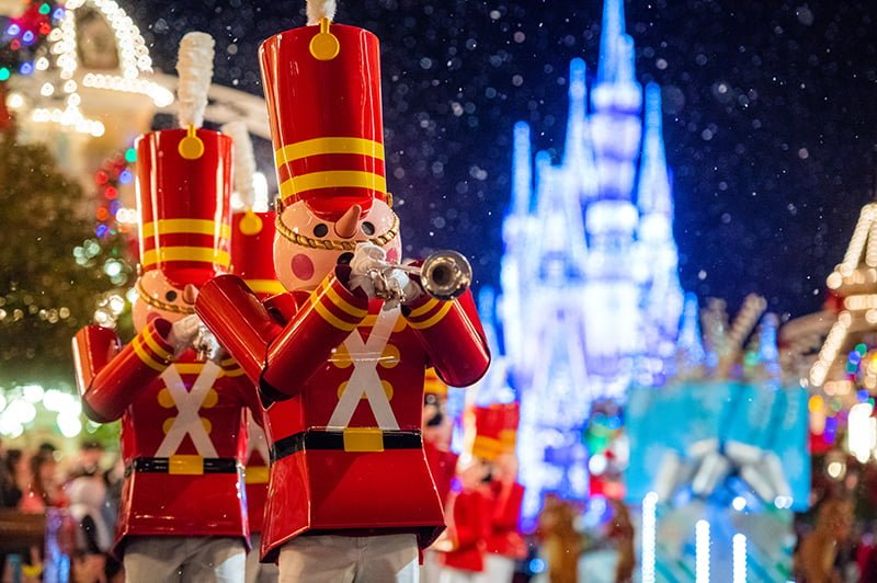 Christmas Day Parade.Ultimate 2019 Disney World Christmas Guide Disney Tourist Blog