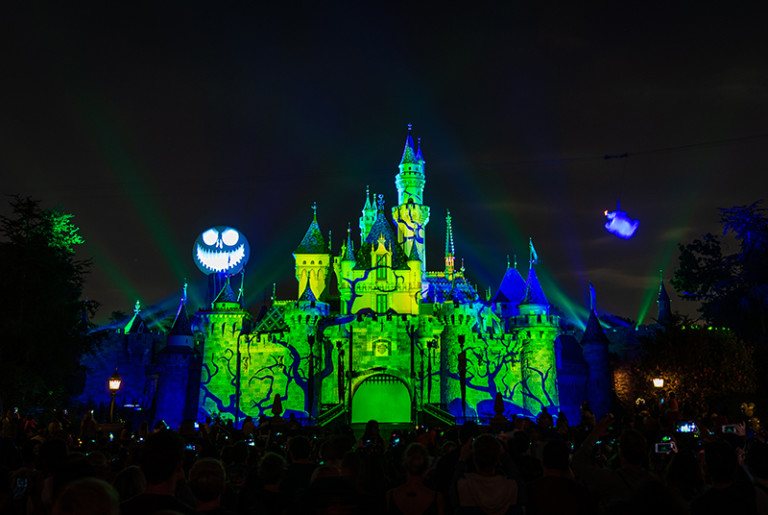 With halloween on its way, you don't have to just decorate your home and yard to reflect your love for this time of yea. 2021 Guide to Halloween Time at Disneyland - Page 2 of 2 - Disney Tourist Blog