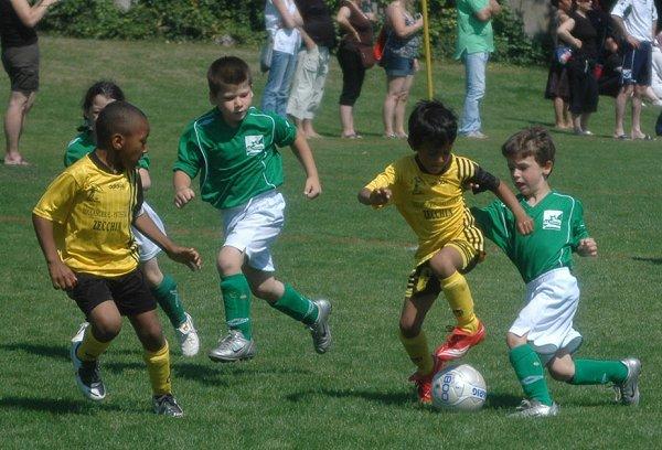 """Résultat de recherche d'images pour """"les jeunes et le foot"""""""