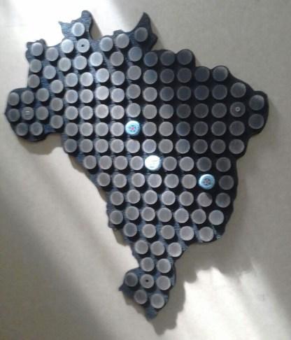 Display Decorativo do Mapa do Brasil para 132 tampinhas