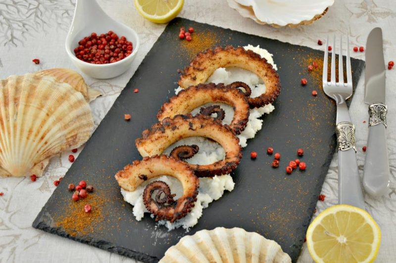 Potrai inoltre scoprire tante ricette per la vigilia di natale a base di pesce. Antipasti Di Natale 5 Ricette Di Pesce Per La Vigilia Dissapore