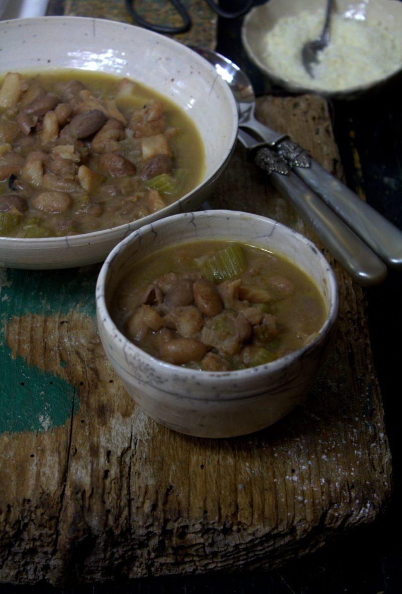 zuppa di baccalà e fagioli piatto