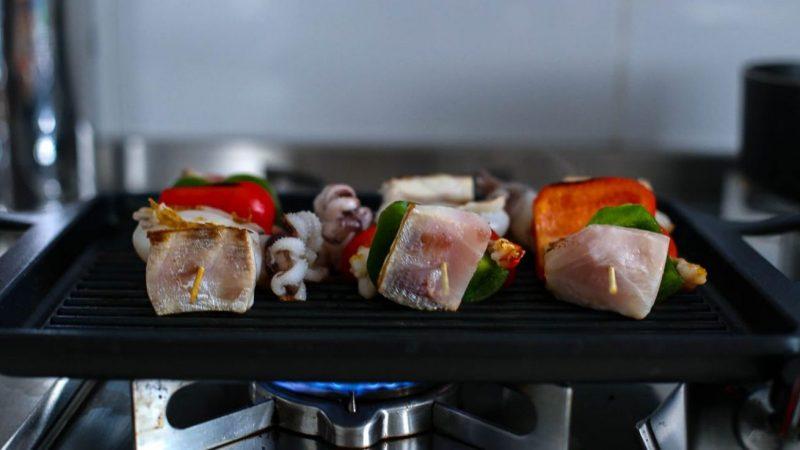 spiedini di pesce grigliati cottura