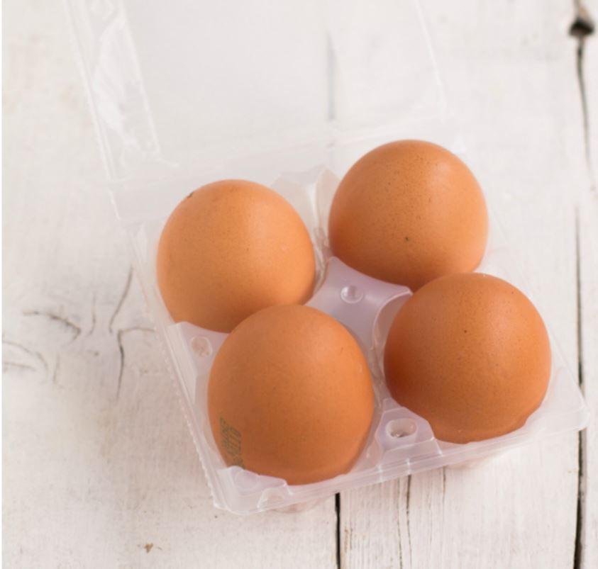 uova in guscio nella loro confezione