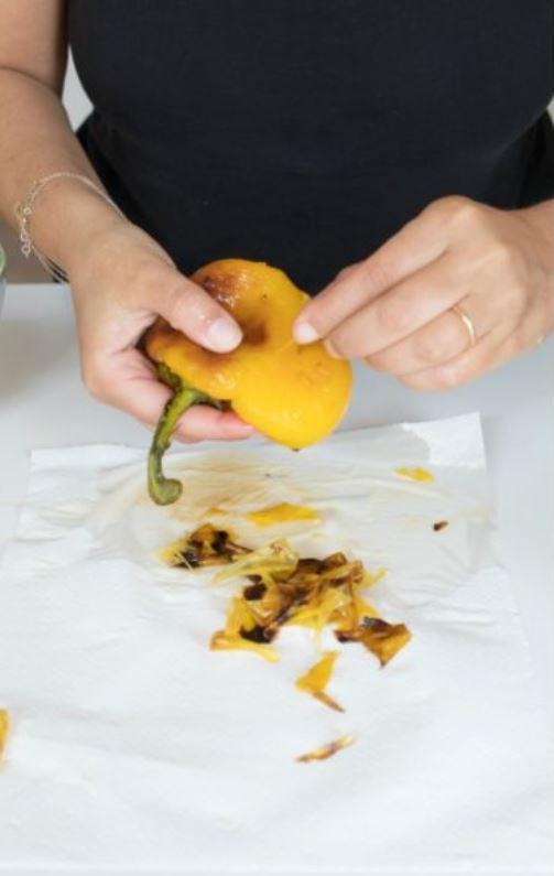 peperone giallo sbucciato