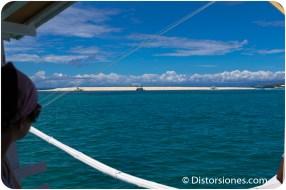 La Isla Desnuda vista desde el mar