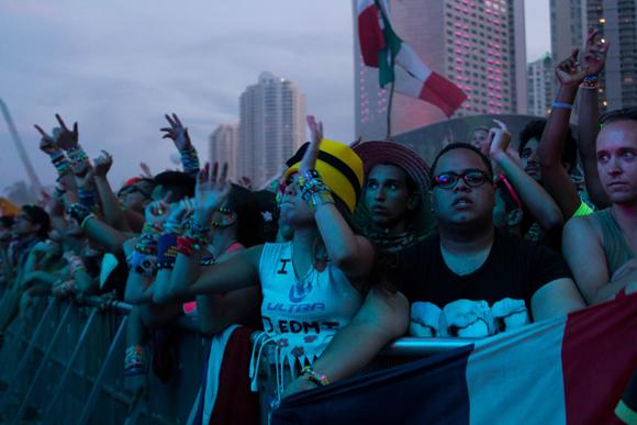 ultra_crowds_rz_-9
