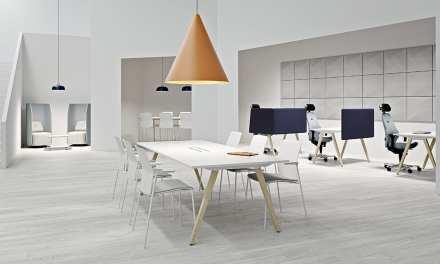 Kinnarps completa el rango de mesas con Nexus Meetings