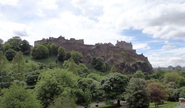Edinburgh Castle vanaf Princess Street