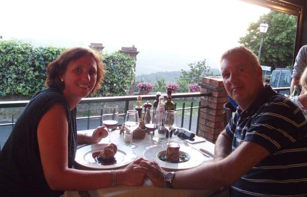 Anderhalve week geleden genoten we nog heerlijk op een Italiaans terrasje van de zonsondergang!