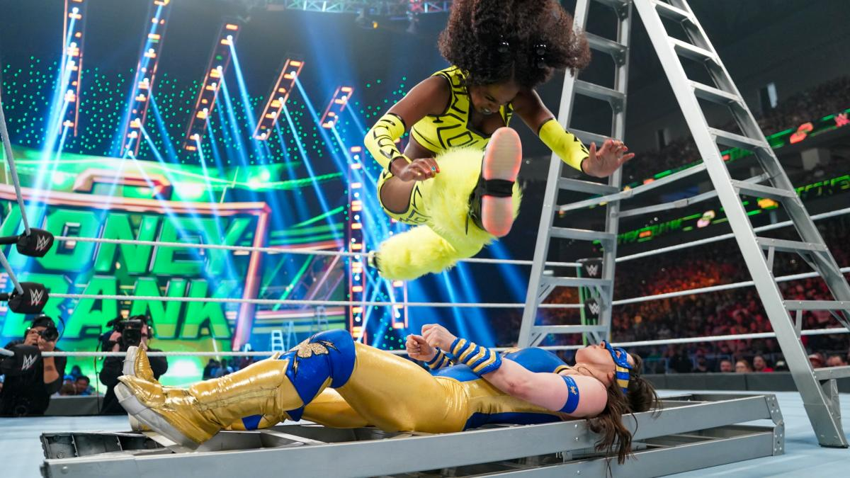 Naomi reportedly moved to SmackDown roster