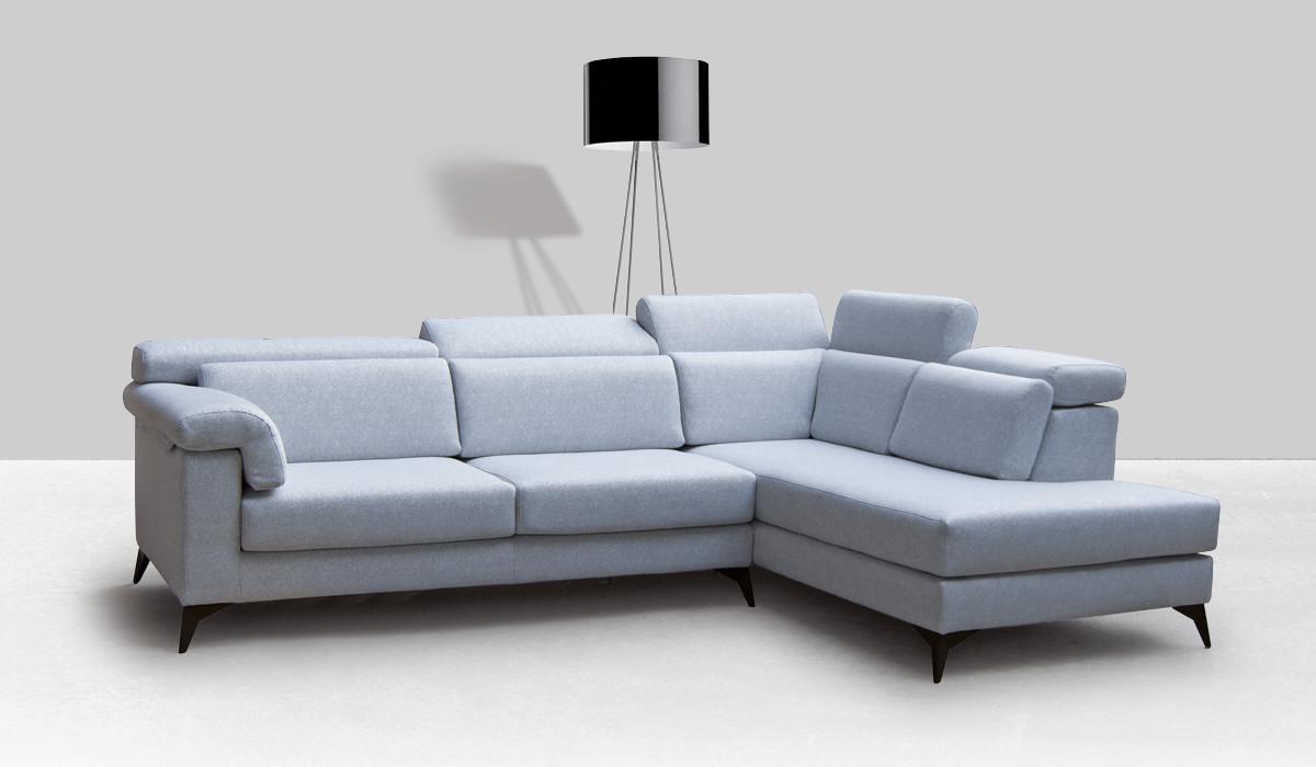 Collezione di divani angolari, con penisola, lineari, in pelle o tessuto. Varsavia Divani Tessuto Collezioni Divani Design
