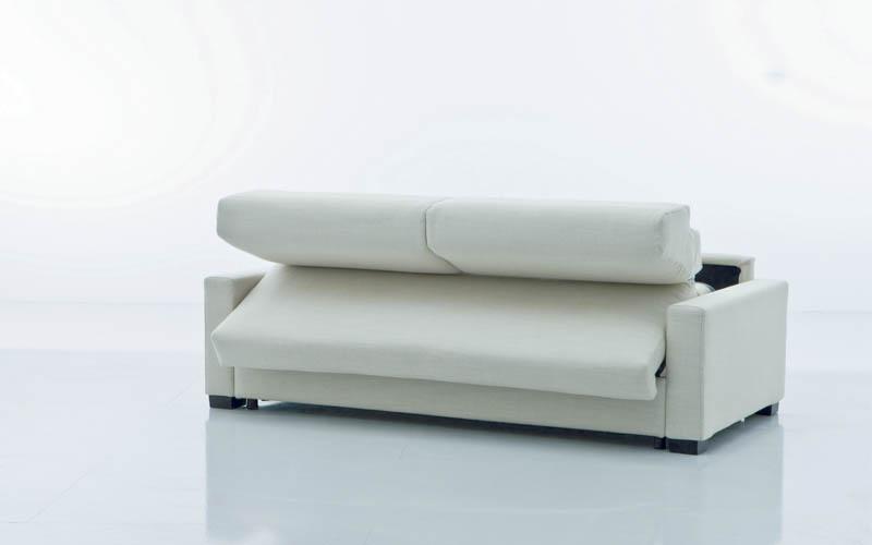 Comodit e funzionalit di un divano a letto divaniblues - Facciamo saltare i bulloni a questo divano ...