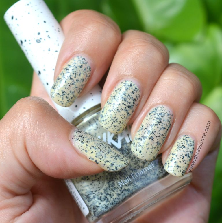 Nykaa Cookie Crumble Nail Enamel in Frosted Lemon review, nykaa.com