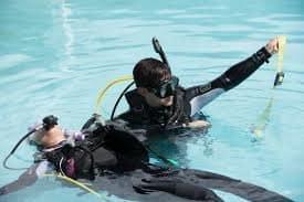 diver help other respond diver