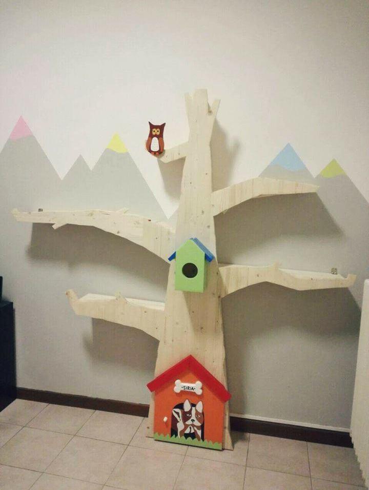 Liberia albero in legno ideale per la cameretta dei for Libreria ad albero prezzi