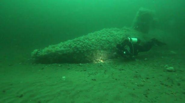 וידאו - צלילה לצוללת הקיטור הראשונה בעולם