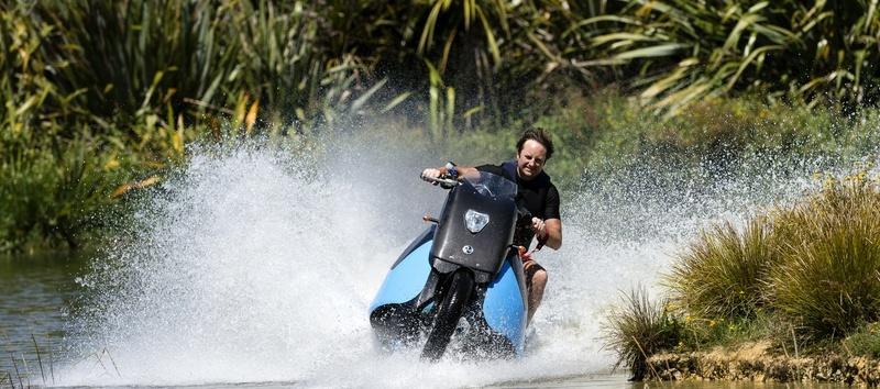 אוהבים ספורט ימי? אוהבים אופנועים? זה הכלי בשבילכם!