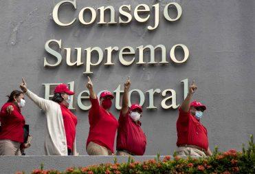 Los partidos políticos cómplices de Ortega y Murillo