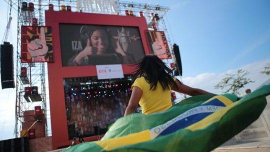 Arena na Praça Mauá: Shows e Futebol