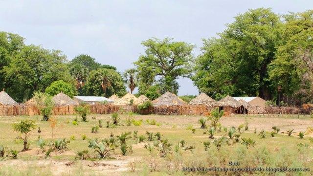 poblado en gambia