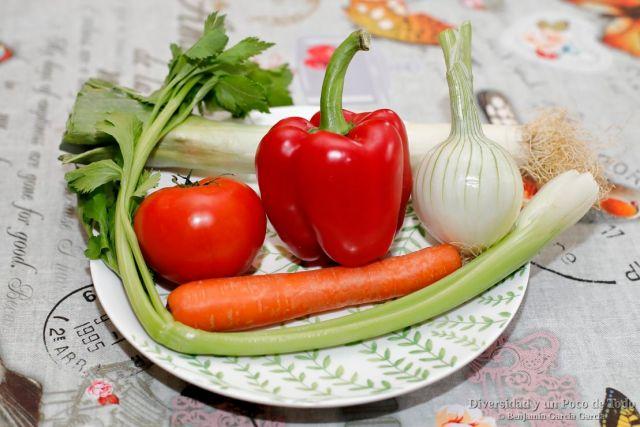 verduras para la sopa de marisco islandesa