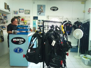 Hazell's Water World Dive Shop - Diver Supply Barbados