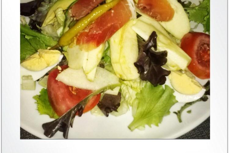 nsalada con Aguacate y Manzana.