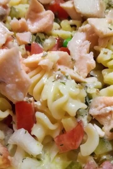 Ensalada de pasta con tomate