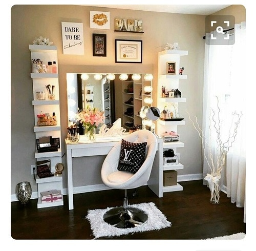 15 Fantastic Vanity Mirror with Lights for Bedroom Ideas on Mirrors For Teenage Bedroom  id=78753