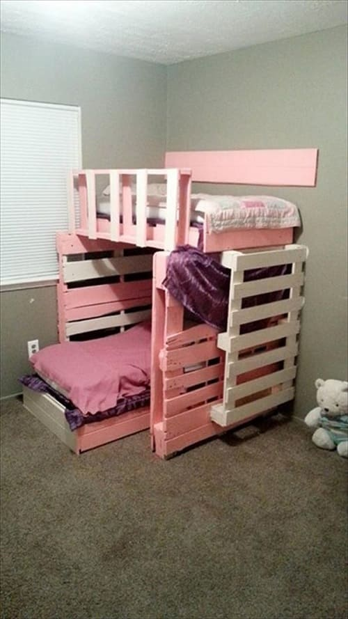 20+ Most Inspiring Wood Pallet Bedroom Ideas You Have To Try on Pallet Room Ideas  id=16416