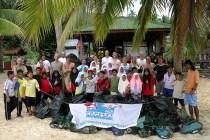 Children Beach Cleanup with B&J
