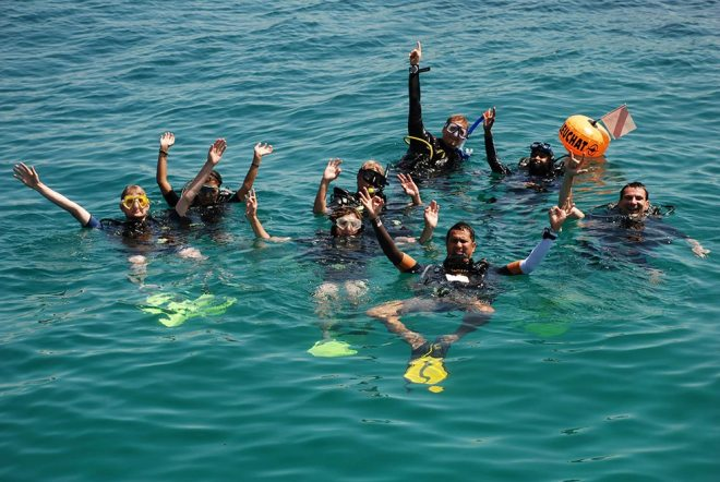Two PADI Open Water course groups