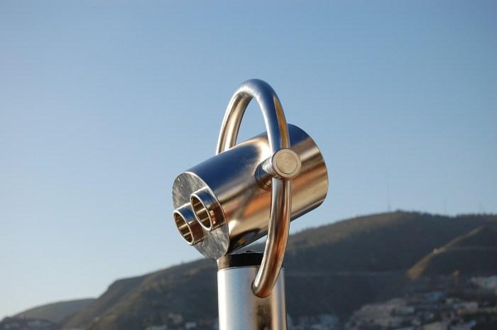 binoculars-623802_1280