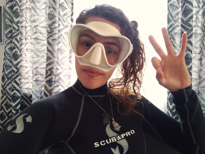 earth-hour-8-great-white-tips-for-eco-divers-to-spend-earth-hour-at-home