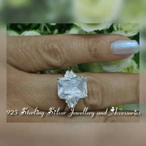 925 Sterling Silver Cubic Zirconia Ring RR904