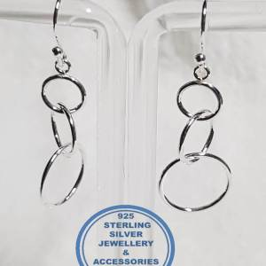 925 sterling Silver Earrings - 3 hanging circles of love - Stunning Price per 1 pair of earrings All prices excludes national nominal door-to-door delivery fee Although some earrings might be similar size price is determined on weight as well as manufacturer although all our products are manufactured from the best quality 925 Sterling Silver.